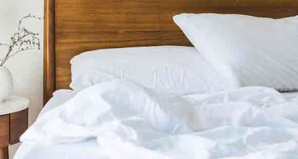 13 Important Factors to Consider When Buying the Best Pillow for Combination Sleepers