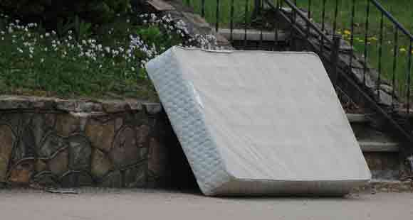 What to Do with Old Mattress- 11 Responsible Ways to Dispose of Your Old Mattress